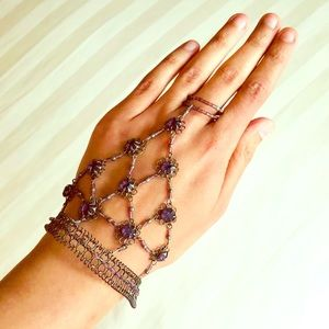 Jewelry - 1 of 2 NWOT festival chic hand piece